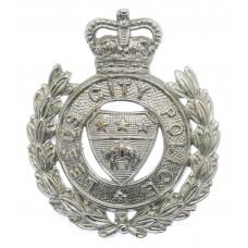 Leeds City Police Wreath Cap Badge - Queen's Crown