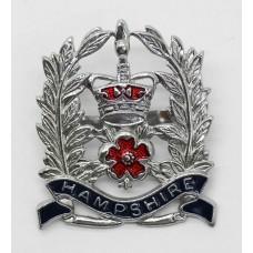 Hampshire Constabulary Sergeants Enamelled Cap Badge - Queen's Cr