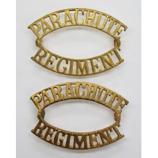 Pair of Parachute Regiment (PARACHUTE/REGIMENT) Shoulder Titles