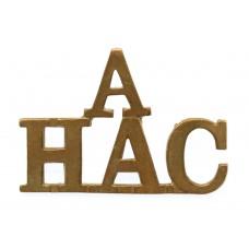 'A' Battery Honourable Artillery Company (A/H.A.C.) Shoulder Titl