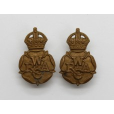 Pair of Women's Royal Army Corps (W.R.A.C.) Collar Badges - King'