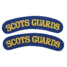 Pair of Scots Guards (SCOTS GUARDS) Cloth Shoulder Titles