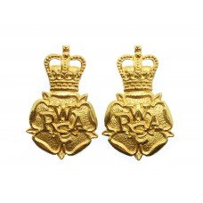 Pair of Woman's Royal Army Corps (W.R.A.C.) Officers Dress Collar Badges - Queen's Crown