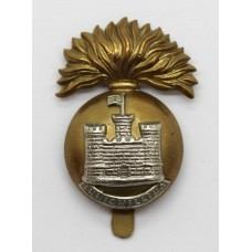 Royal Inniskilling Fusiliers Cap Badge (Flag Left)