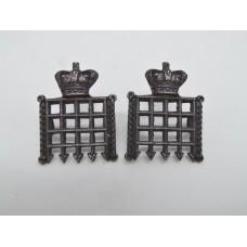 Pair of Victorian Queen's (Westminster) Rifle Volunteers Collar Badges