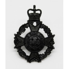 Royal Army Chaplains Department Black Anodised Cap Badge - Queen'