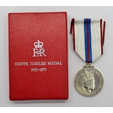 1977 Queen Elizabeth II Silver Jubilee Medal in Box of Issue