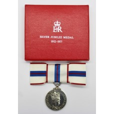 1977 Queen Elizabeth II Silver Jubilee Medal with Ladies Issue Bow Ribbon